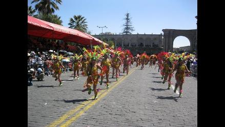 Arequipa: Más de 500 mil personas apreciaron Corso de la Amistad