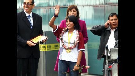 Deysi Cori regresa a Lima tras obtener el título mundial de ajedrez