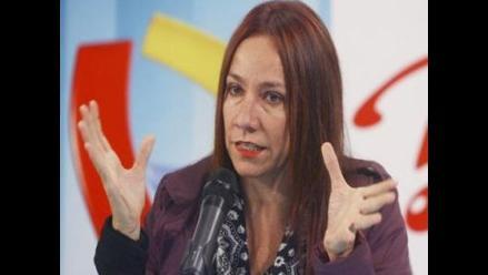 July Naters: No abandonaré a Eva Bracamonte