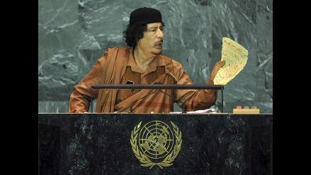 Unión Europea pide a Gadafi que se rinda inmediatamente