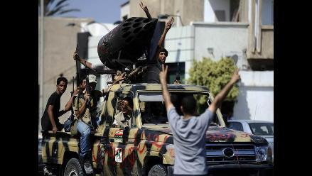 OTAN dice que Gadafi es ´historia´, pero que no va a bajar la guardia