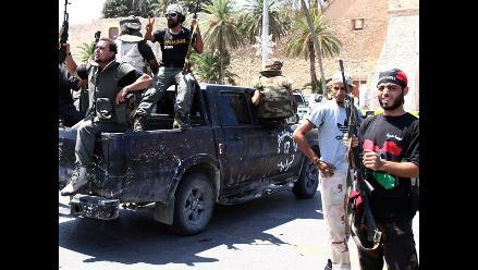 Liberan a periodistas retenidos por tropas de Gadafi en Libia