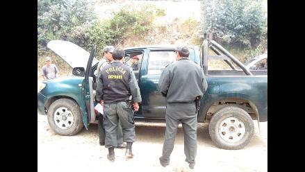Policía recupera dos camionetas robadas en Cajamarca