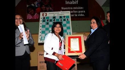 Mimdes nombra a Deysi Cori embajadora de los niños y adolescentes