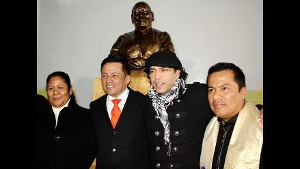 Recuerdan a Teresa Izquierdo con homenaje póstumo y busto