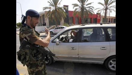 Rebeldes libios avanzan hacia Sirte, ciudad natal de Muamar el Gadafi