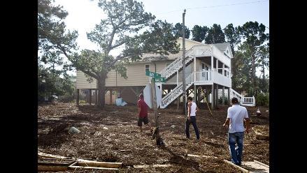 Suben a 15 los muertos por huracán Irene en EEUU