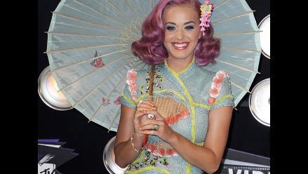 Katy Perry recibe premio por Mejor Colaboración en MTV Awards