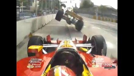 Vea el espectacular choque de un auto de la IndyCar