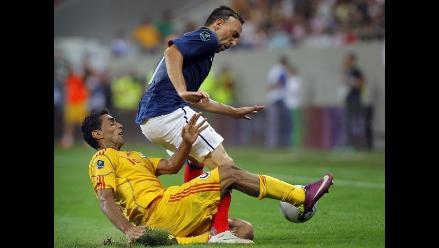 Francia empató sin goles con Rumanía y quedó cerca de la Eurocopa