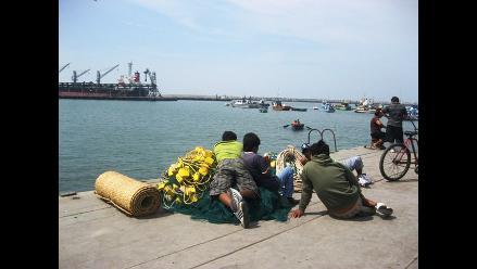 La Libertad: Reabren terminales portuarios tras oleajes anómalos