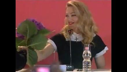 Madonna desprecia regalo de un fanático en Venecia