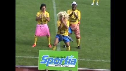 Futbolista anota y celebra bailando el Waka Waka de Shakira