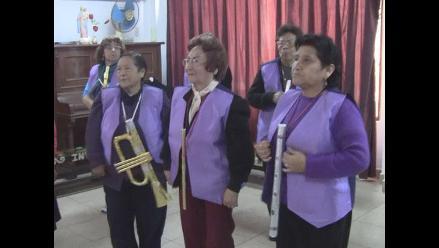 Adultos mayores necesitan apoyo para ir a Argentina a representarnos