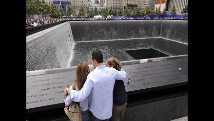 Familias se congregan en zona cero para recordar a sus héroes del 11S