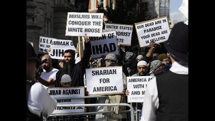 Musulmanes protestan contra ceremonia por el 11-S en el Reino Unido