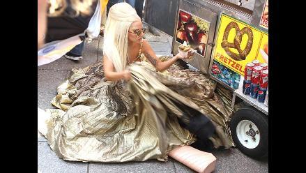 Lady Gaga lleva al extremo su excéntrico look
