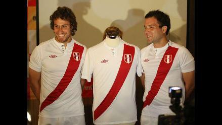 Nueva camiseta de la selección peruana de fútbol genera controversia