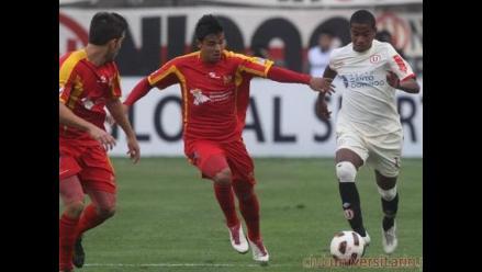 Universitario tiene un delantero para jugar clásico ante Alianza Lima