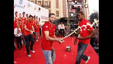 Imágenes de la celebración española por título Europeo de baloncesto