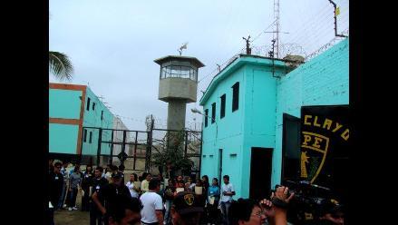 Lambayeque: Universitarios censan a internos del penal de Picsi