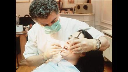 Consumir gaseosas en exceso puede dañar sus dientes