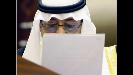 Mujer saudita recibirá 10 latigazos por manejar un automóvil
