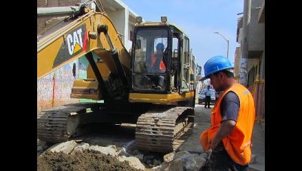 Vibraciones de excavadora origina rajaduras de paredes en Lambayeque