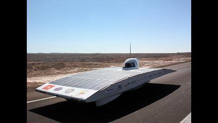 Vehículos solares llegan a destino en carrera por desierto de Atacama