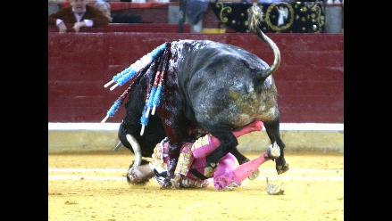 Un torero español sufre una gravísima cornada en la cara en Zaragoza