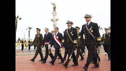 Peruanos guardaron un minuto de silencio en memoria de Miguel Grau
