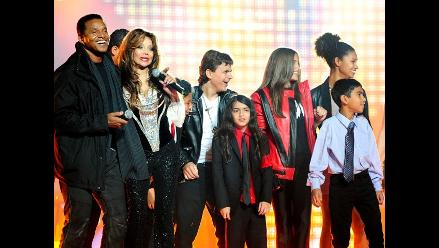 Hijos Michael Jackson recordaron a su padre bailando en homenaje