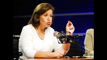 Lourdes Flores cuestiona ascensos de altos mandos en Fuerzas Armadas