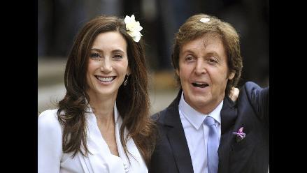 McCartney sorprendió a su esposa y le cantó romántico tema en su boda