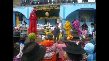 Policía realiza acción cívica en zona altoandina de Ayacucho