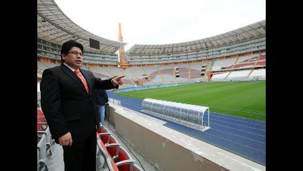 Evalúan citar de grado o fuerza a Chang por caso del Estadio Nacional