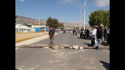 Cajamarca: Pobladores bloquean parcialmente vía hacia minera Yanacocha
