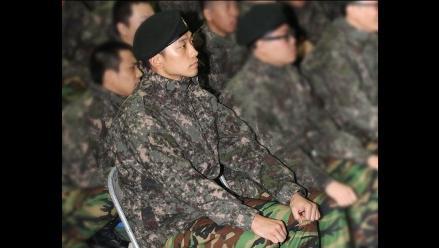 Aparecen fotos públicas de Rain en ejército