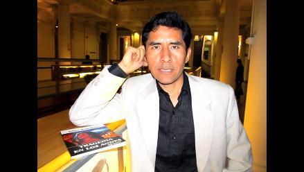 Escritor Julián Rodríguez presenta