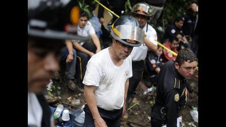Guatemala: comienza la búsqueda de sobrevivientes