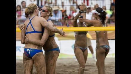 Bellas jugadoras deslumbran en vóley playa de los Juegos Panamericanos