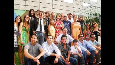 Gustavo Bueno desea que Al fondo hay sitio termine en el 2012