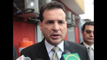 Tres bancadas presentan denuncia constitucional contra Omar Chehade