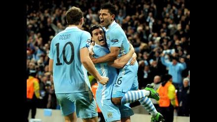 Balotelli y Dzeko marcan doblete en goleada 6-1 del City al United