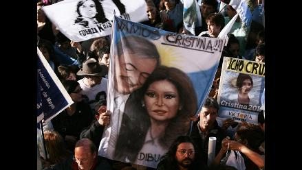 Comicios argentinos entre lágrimas, anécdotas y pedidos de perdón
