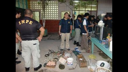 Requisan licuadoras, televisores y navajas en penal de Iquitos
