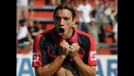Hinchas del San Lorenzo golpean a Jonathan Bottinelli tras entrenamiento