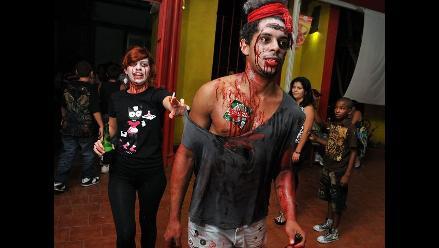 Caminata de zombie se apodera de San Antonio de los Baños en Cuba