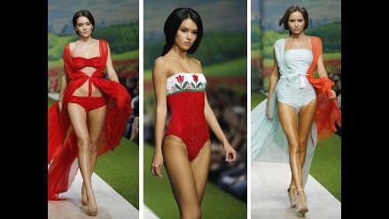 Sensuales bikinis en la Semana de la Moda de Rusia