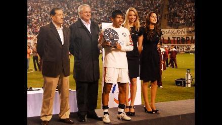 Edison Flores fue titular en Universitario ante Vasco da Gama